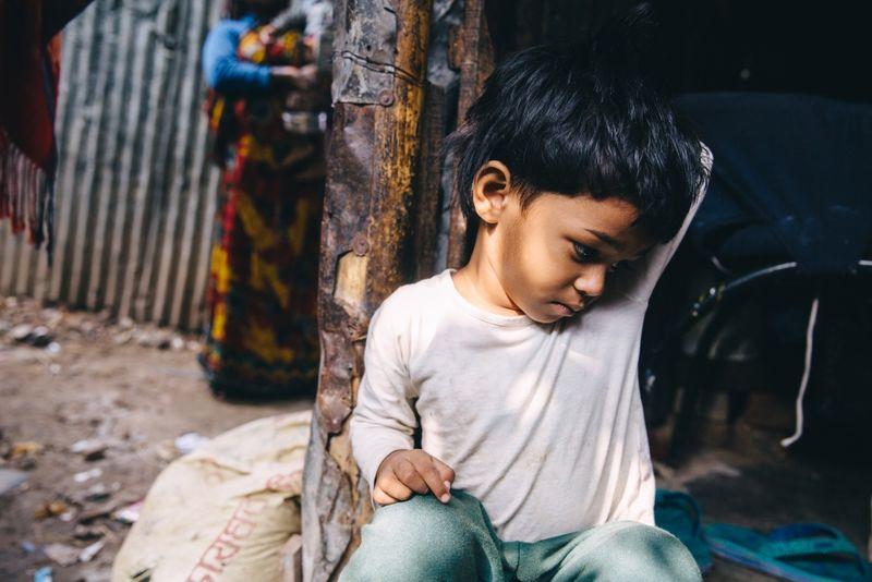 Elämä slummeissa voi olla lapsille kovaa